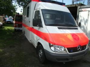 angebote rettungswagen gebrauchte krankenwagen und rettungswagen second hand ambulances. Black Bedroom Furniture Sets. Home Design Ideas