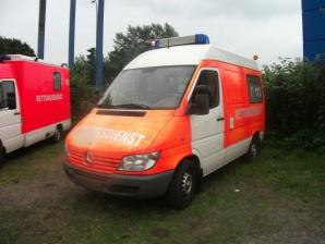 angebote krankenwagen gebrauchte krankenwagen und rettungswagen second hand ambulances. Black Bedroom Furniture Sets. Home Design Ideas